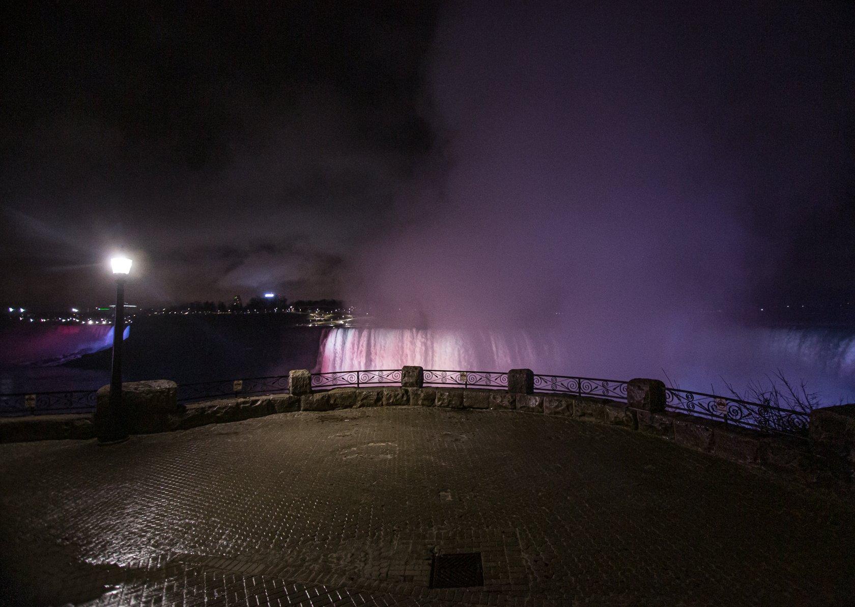 Empty Niagara Falls_-4